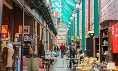 Les Puces de Saint-Ouen, secrets du plus grand marché d'antiquités au monde