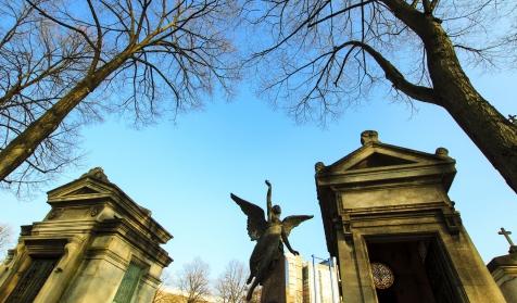 Visite enquête, Le fantôme du cimetière du Montparnasse